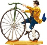 Herr auf Hochrad steigend