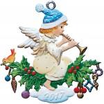 Anhänger: Engel mit Flöte auf einem geschmücktem Stechpalmenzweig
