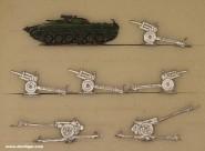 Verschiedene Hersteller: Ein Schützenpanzer und Kanonen, ab 1946