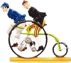2 Herren auf Dreirad