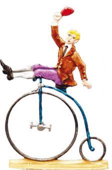 Hochradfahrer, Hut schwenkend