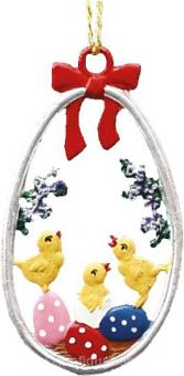 Ornament: Egg with Chicks
