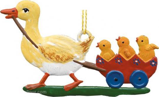 Anhänger: Ente zieht Wagen mit Küken