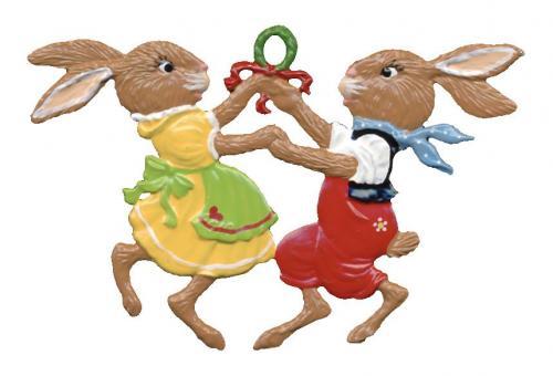 Anhänger: Zwei Osterhäschen tanzen in den Frühling