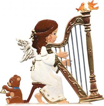 Ein Weihnachtsengel spielt auf der Harfe
