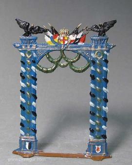 Siegestor, Triumphbogen -geschmückt-