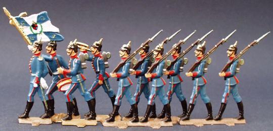 Bayerische Pickelhauben-Soldaten im Marsch