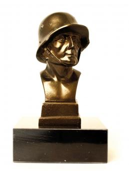 Metal bust Infanterist (1916-1945) with marble base