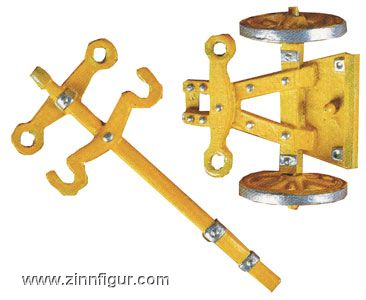 Casting mold: mount or limber with wheel. Guncarriage: