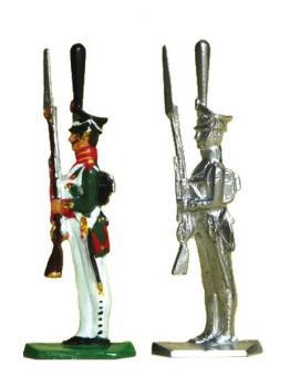 Grenadier mit Kiwer (Tschako), Gewehr präsentierend
