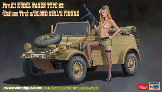 Kübelwagen Typ 82 (Ballonreifen) mit Blondine