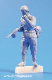 Sowjetischer Soldat mit MG