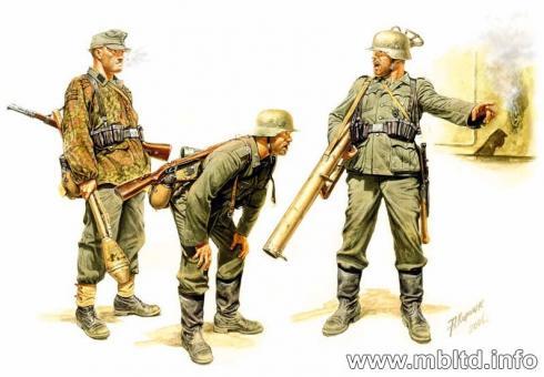Panzerabwehr-Trupp mit Panzerfaust