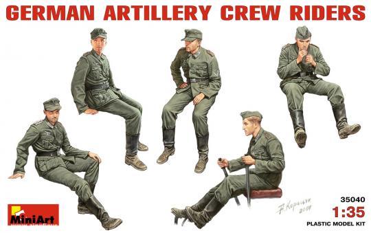 5 Artilleristen, sitzend