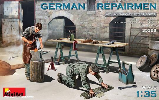 Deutsche Soldaten beim Reparieren