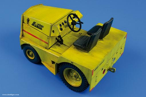 United Tractor GC-340/SM340 Tow Tractor (Dual Mounting)
