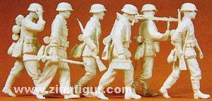 Vorgehende Grenadiere mit MG