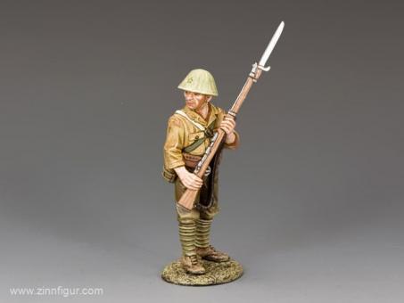 Japanischer Soldat - vorsichtig vorgehend