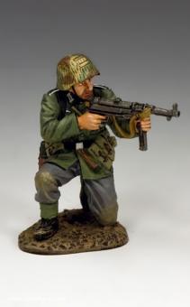 Kniender Soldat mit Schmeisser MP40