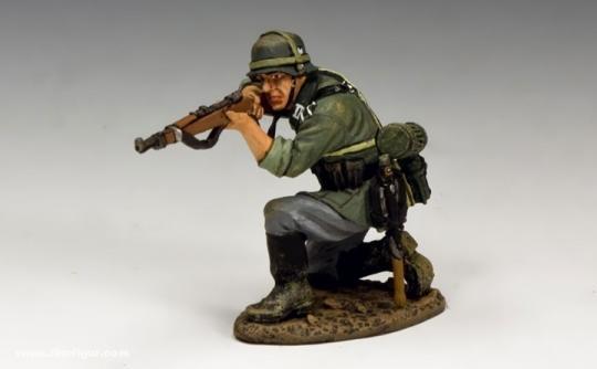 Kniender Soldat, feuernd