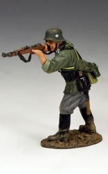 Stehender Soldat, feuernd