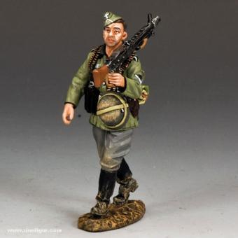 MG42 Schütze im Marsch