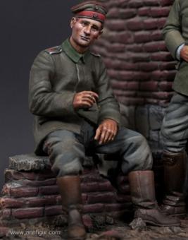 Deutscher Infanterist - sitzend - 1. Weltkrieg