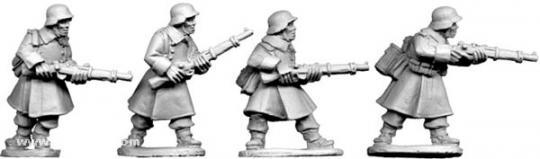 Deutsche Schützen im Mantel II