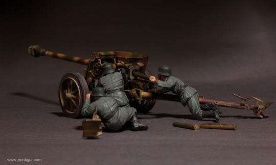 Deutsche Artilleristen für PaK40 - 1943