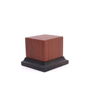 Holzsockel mit Fuß (Pao Rosa)