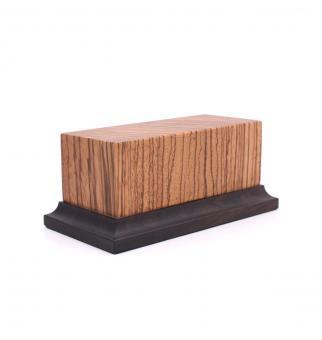 Holzsockel mit Fuß (Zebra)