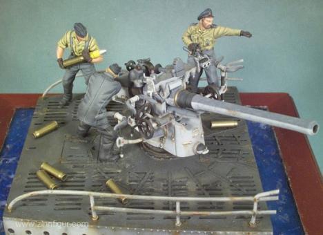8,8 Bordkanone mit 3 Mann Bedienung (U-Boot)