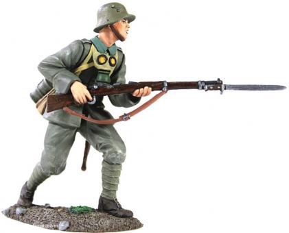 Deutscher Infanterist, vorgehend
