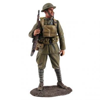 US Infanterist mit übergehängtem Gewehr