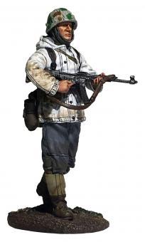 Deutscher Volksgrenadier in Parka mit MP44