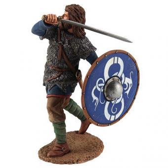 Wikinger mit Kettenhemd - mit Schwert angreifend