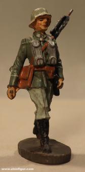 Elastolin: Richtschütze mit leichtem MG vorgehend, 1935 bis 1940