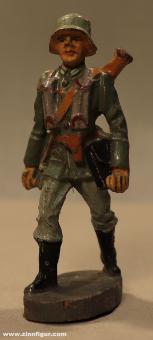 Elastolin: Gunner with reserve barrel advancing, 1935 bis 1940