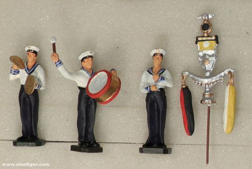 Wüsolin: Marinemusiker stehend spielend, 1933 bis 1945
