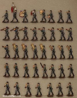 Diverse Hersteller: Musikkapelle der Infanterie im Marsch spielend, 1935 bis 1945