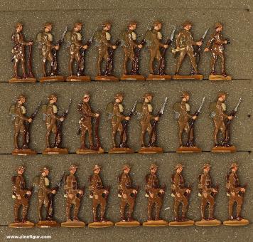 Verschiedene Hersteller: Infanterie stehend im Halt, 1916 bis 1918