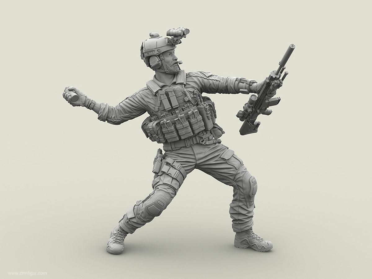 US Navy Seal throwing M18 Smoke Grenade with SCAR Mk20 Sniper